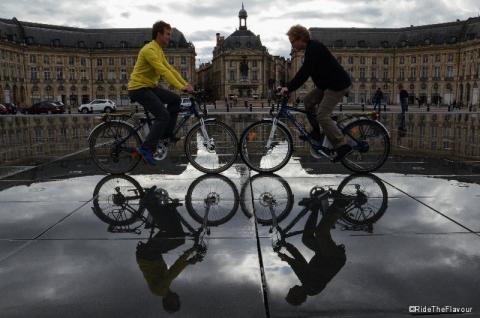 Reflet sur la place de la Bourse, Bordeaux