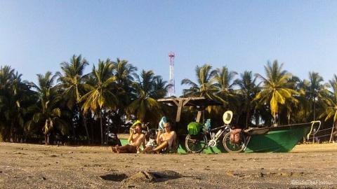 Notre première plage au Costa Rica, ça se fête !